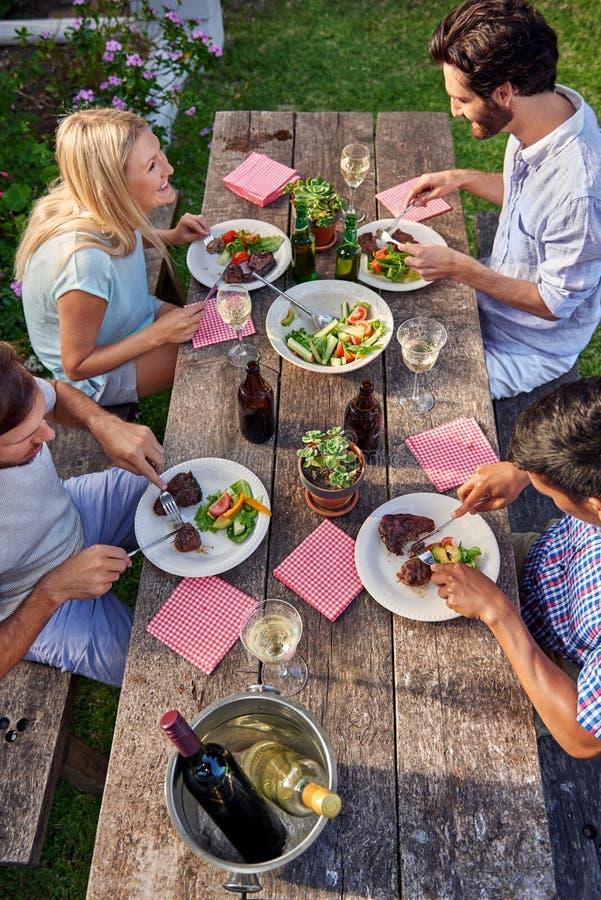 室外晚餐会 免版税库存图片