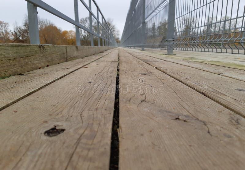 室外木走的步行道 库存图片