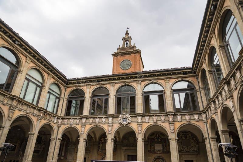 室外波隆纳Archiginnasio图书馆在意大利 免版税库存图片