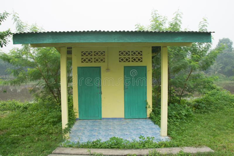 室外洗手间在泰国,公共厕所 免版税库存图片