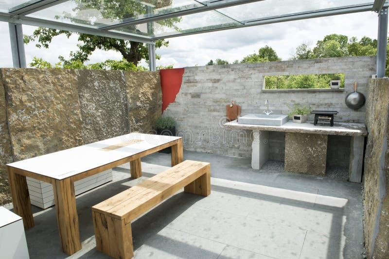 室外的厨房 免版税库存照片
