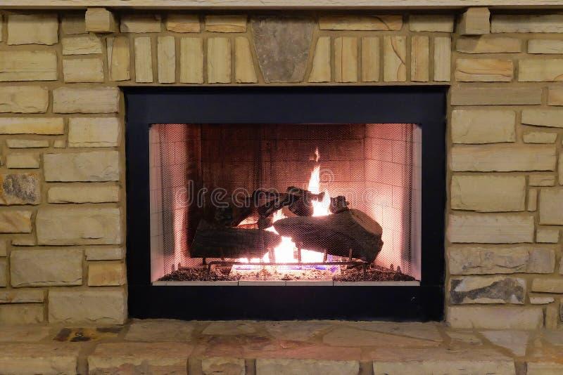 室外的壁炉 库存照片