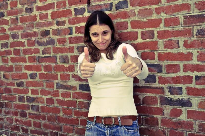 室外纵向妇女年轻人 免版税库存图片