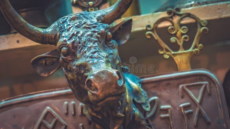 室外装饰用被刻记的金属动物 免版税库存图片