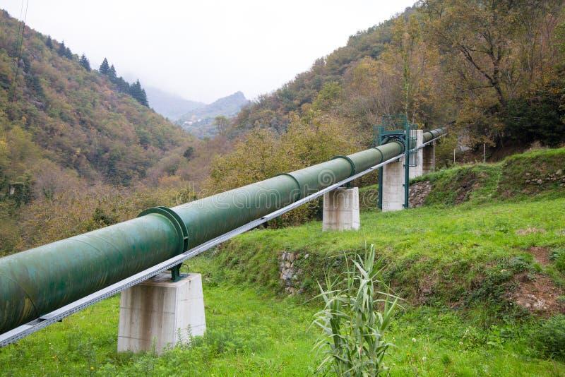 室外钢绿色的管子 免版税库存照片