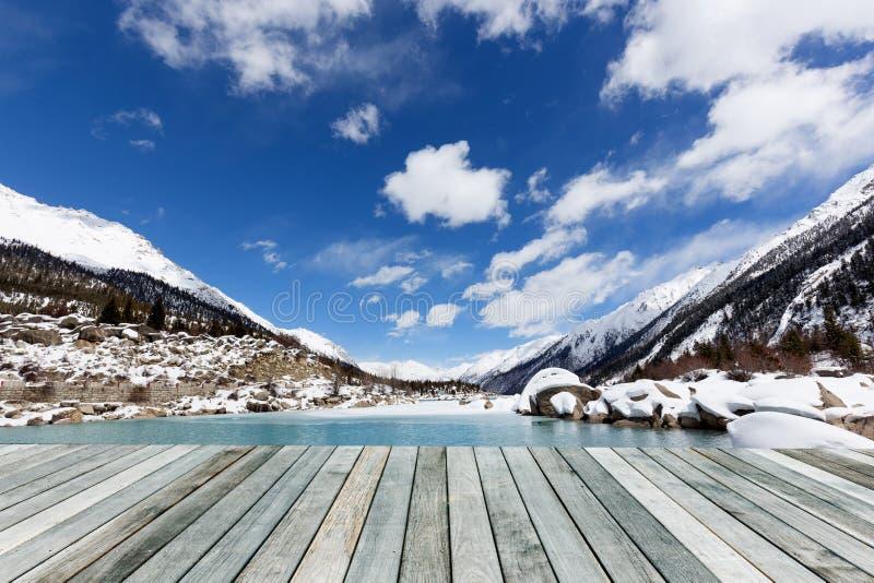 室外雪和河 库存图片