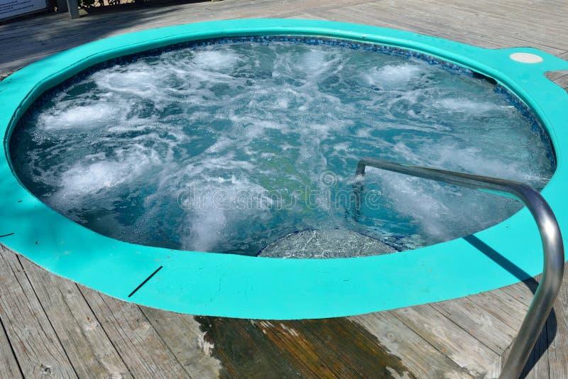 室外浴盆 库存图片