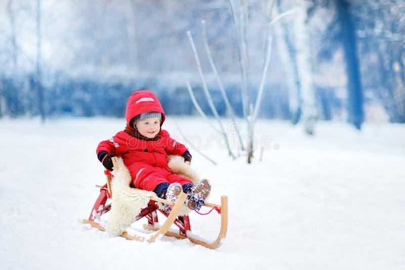 室外活跃乐趣为家庭度假 免版税图库摄影