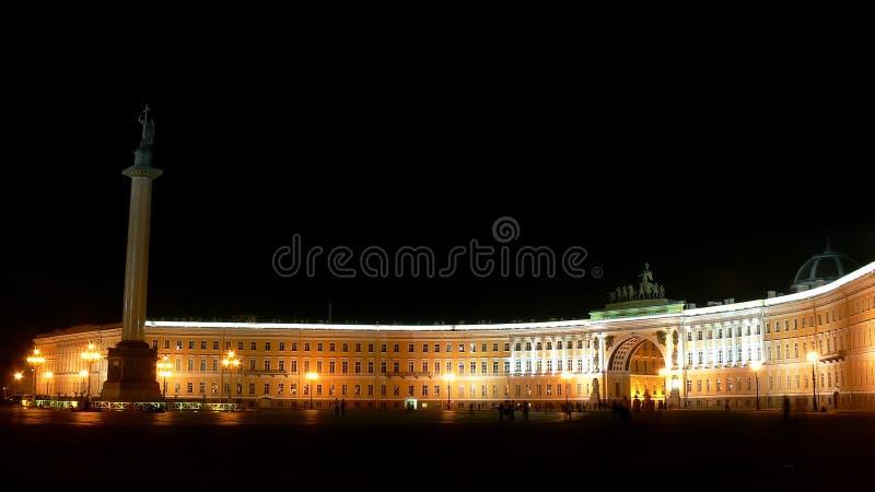 宫殿全景彼得斯堡方形st视图 免版税库存照片