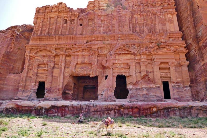 宫殿坟茔废墟在Petra失去的城市,约旦 库存图片