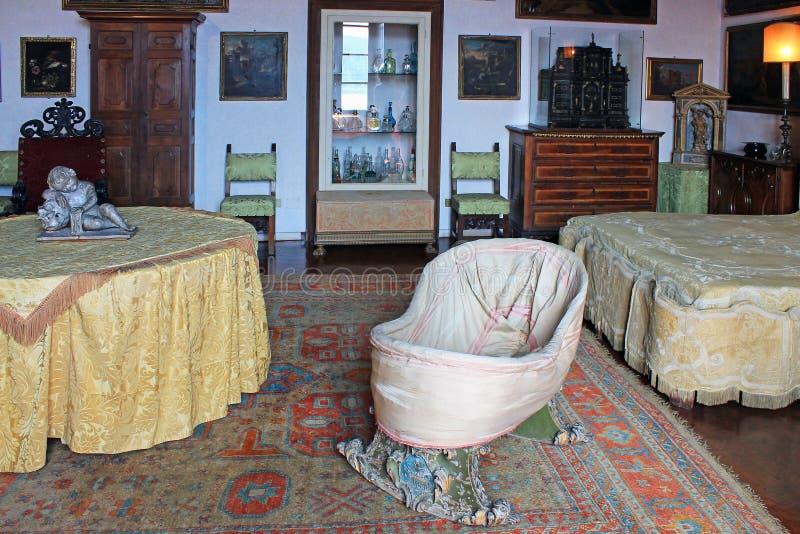 宫殿的内部在伊索拉马德雷海岛上的  免版税图库摄影