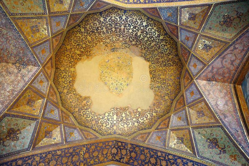 宫殿Chehel Sotoun的天花板 免版税库存照片