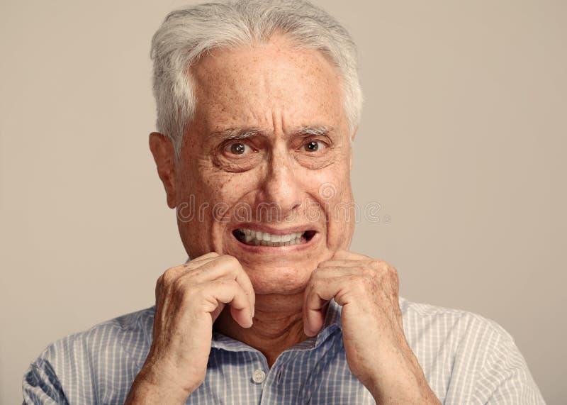 害怕的老人 免版税库存图片