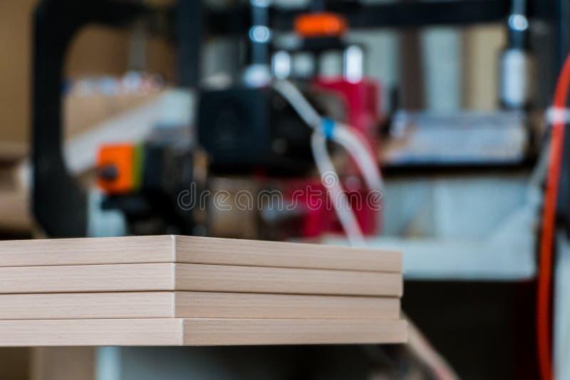 家具生产 木材加工设备、原材料和工具 免版税库存图片