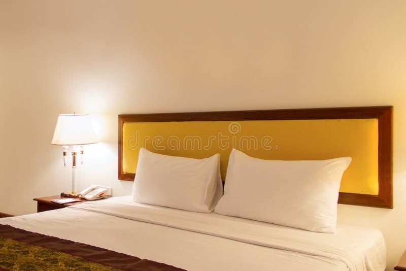 家和旅馆卧室 免版税库存图片