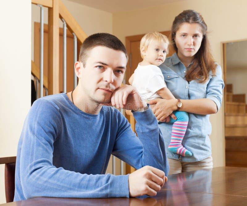 家庭争吵在家 免版税库存照片