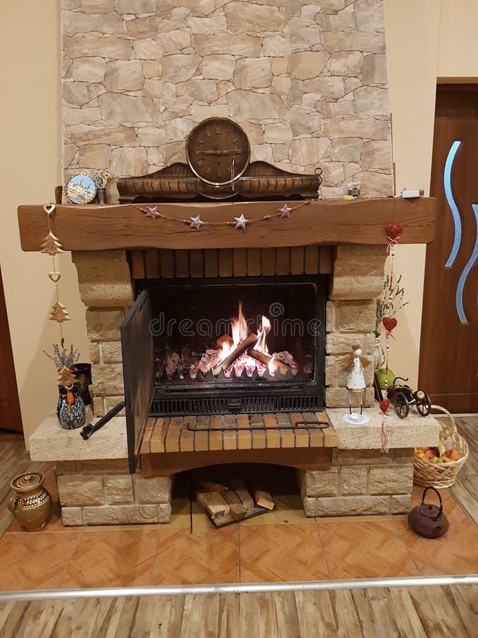 家庭冷的外部壁炉 库存图片