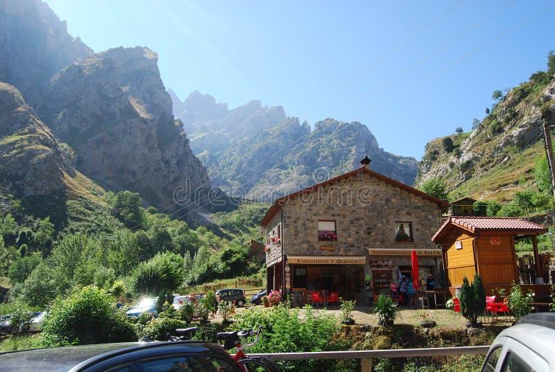 家庭商店在Valdeon,阿斯图里亚斯的凯因村庄  图库摄影