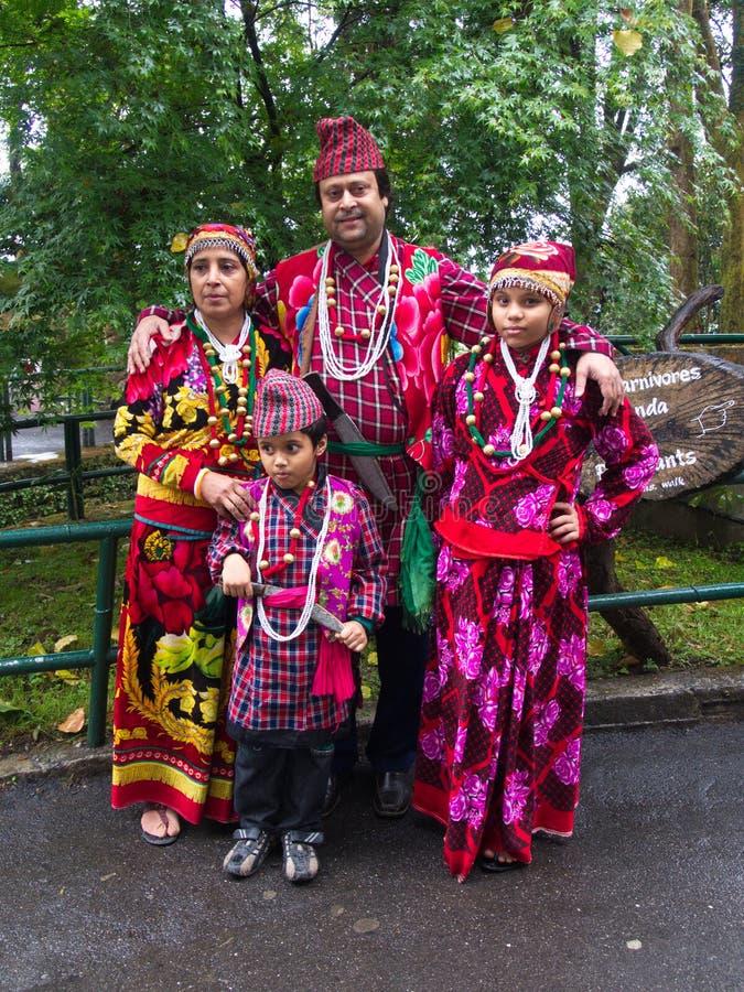 家庭图片锡金传统服装 甘托克市,锡金 库存照片
