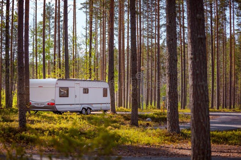 家庭度假旅行房车,度假旅行 库存图片