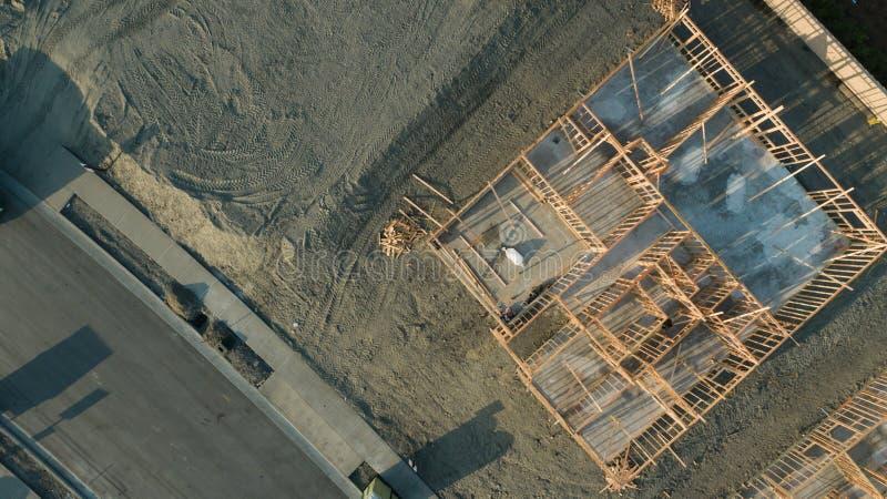 家庭建造场所基础和框架寄生虫鸟瞰图  免版税库存图片
