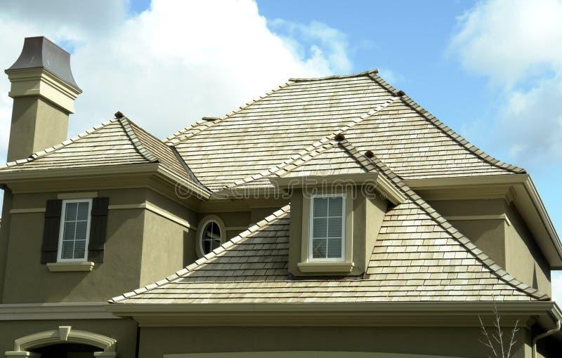 家庭房子新的屋顶 免版税库存照片