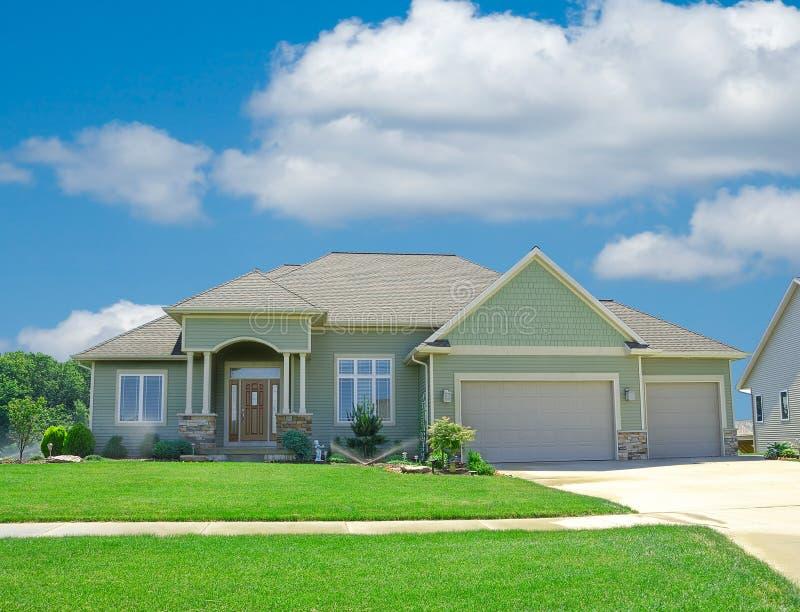 家庭房屋板壁郊区乙烯基 库存图片