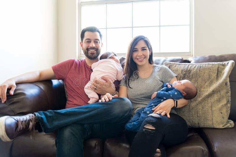 家庭是我们愉快的地方 免版税库存图片