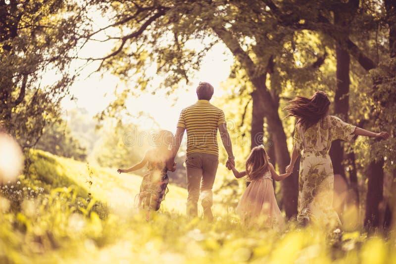 家庭的时刻 防御cesky遗产krumlov季节春天查看世界 图库摄影