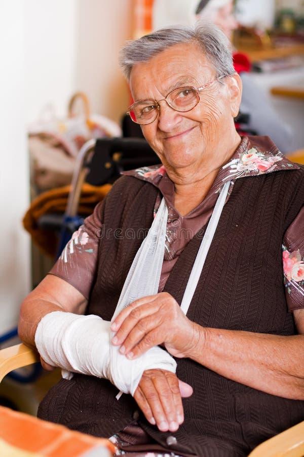 家庭看护老妇人 免版税库存图片