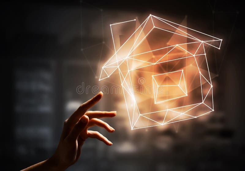 家庭自动化与象的家应用的概念在黑暗的背景 免版税图库摄影