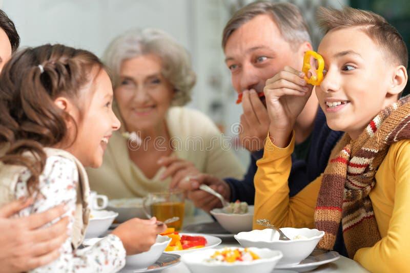家庭食用早餐 免版税库存图片
