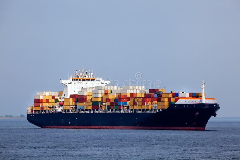 容器巨大的船 免版税库存图片
