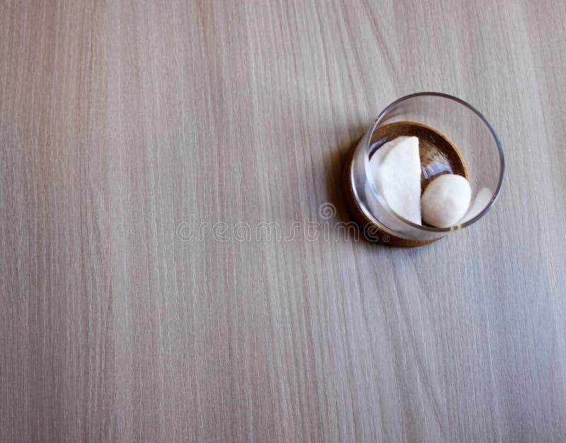 容器棉花医疗保健用品 免版税库存照片