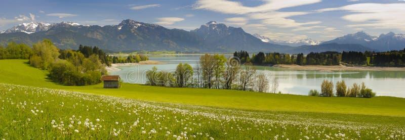 宽全景风景在巴伐利亚 库存照片