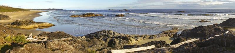 宽全景风景长滩环太平洋温哥华岛 免版税库存图片