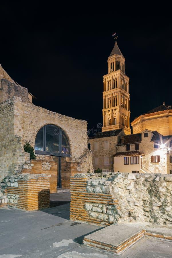 宽容克罗地亚首先介绍质量教士被分裂对白话谁 老城市的建筑学 图库摄影