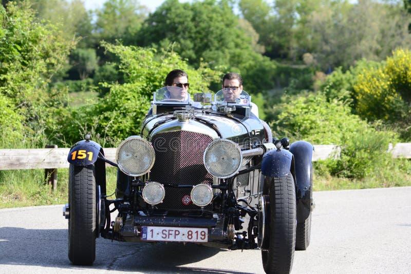 宾利MK VI专辑1948在集会Mille Miglia 2018的老赛车著名意大利历史种族1927-1957 库存照片