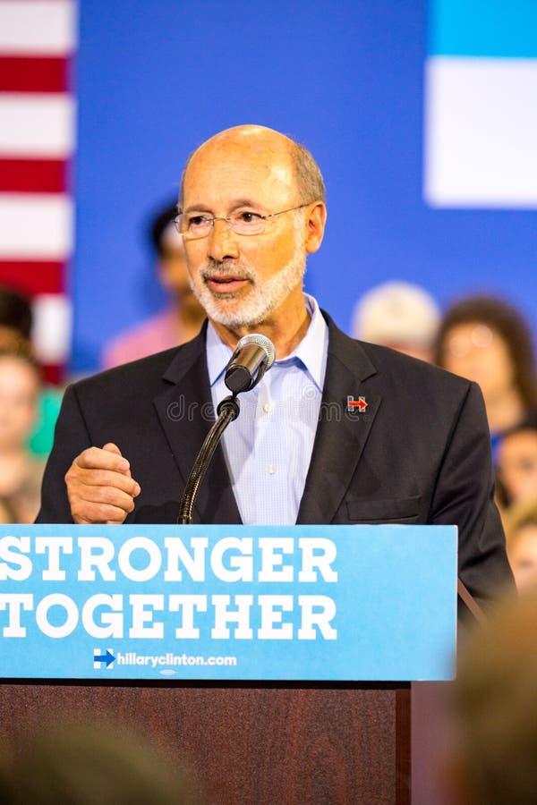宾夕法尼亚州长在政治集会的汤姆狼 免版税库存图片
