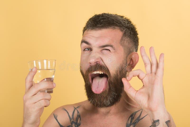 宿酒和干渴 免版税库存照片