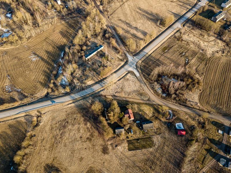 寄生虫图象 乡区鸟瞰图与房子和路netw的 库存照片