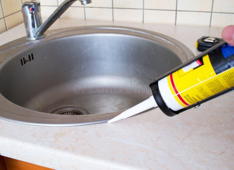 密封胶硅树脂水槽 免版税库存图片