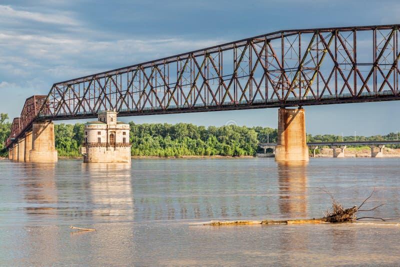 密西西比河跨接了 库存照片