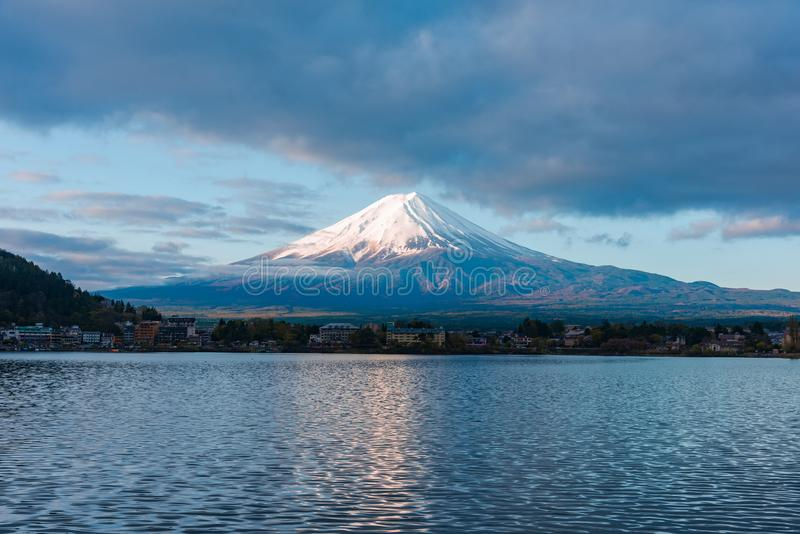 富士山和湖的全景图象 图库摄影