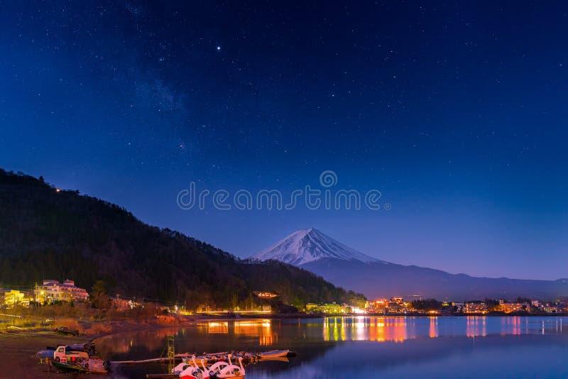 富士山和银河 库存照片