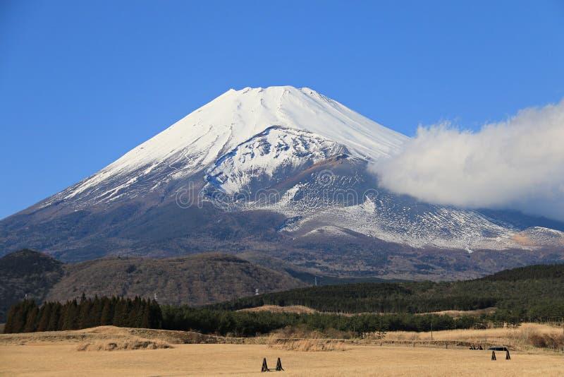 富士山在冬天 库存照片
