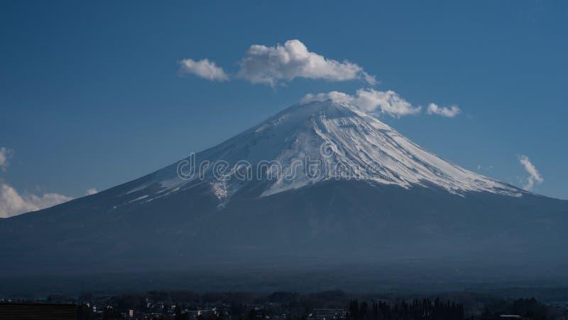 富士山接近的上面与雪盖的在上面与可能,fujisan 免版税库存图片