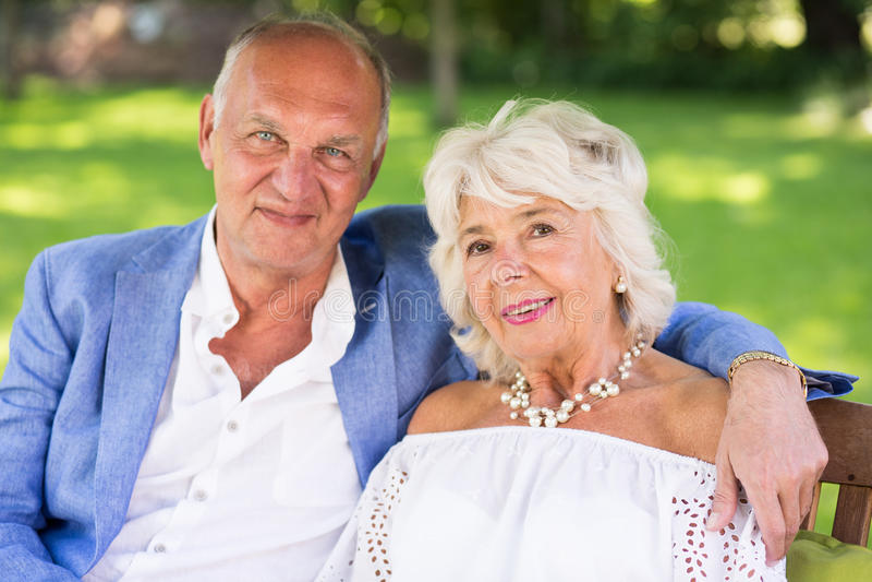富有的年长婚姻 免版税库存图片
