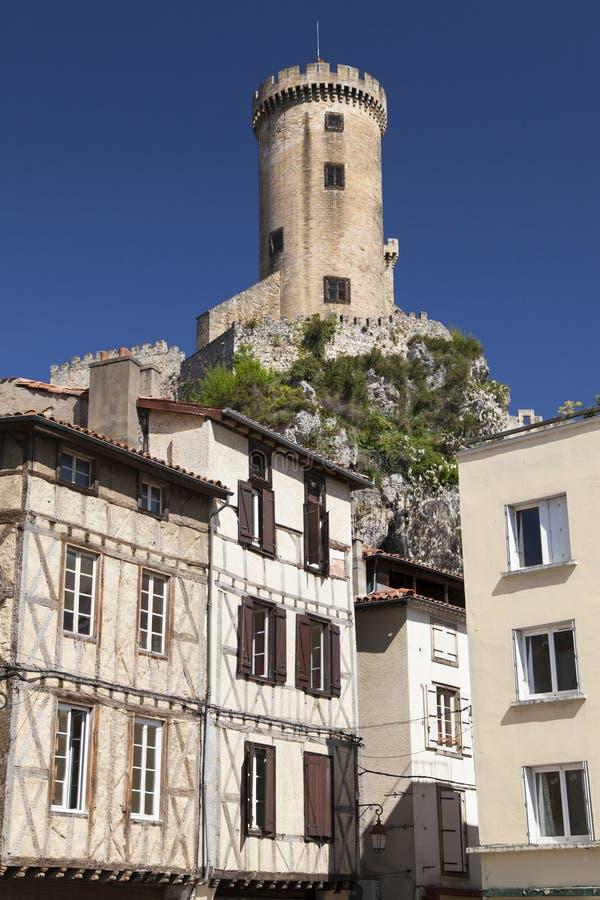 富瓦半木料半灰泥的议院和城堡  图库摄影
