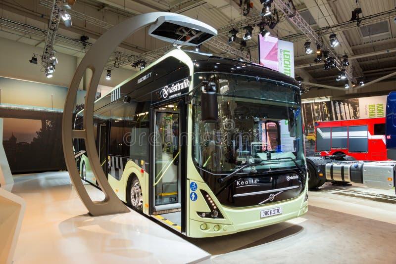 富豪集团7900电杂种市公共汽车 免版税库存图片